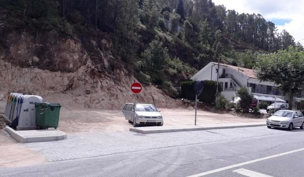 Município de Terras de Bouro cria zona de estacionamento em Vilar da Veiga